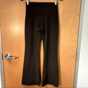 LULULEMON Groove Flare Leg Pants Sz 8 w/ Pull Tag
